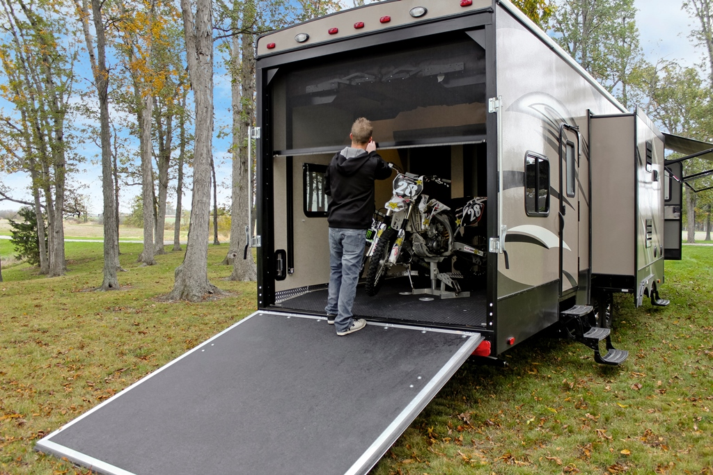 RV Retractable Screen